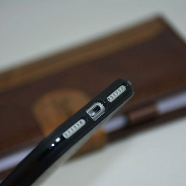 carbon fiber iPhone 7 cover